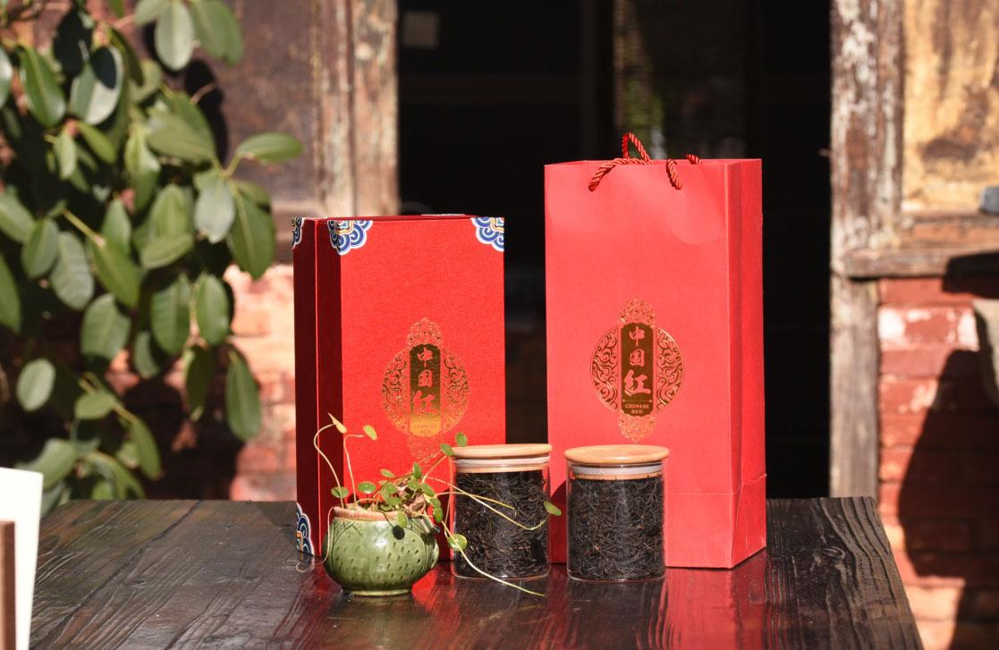 云树山花-中国红图片